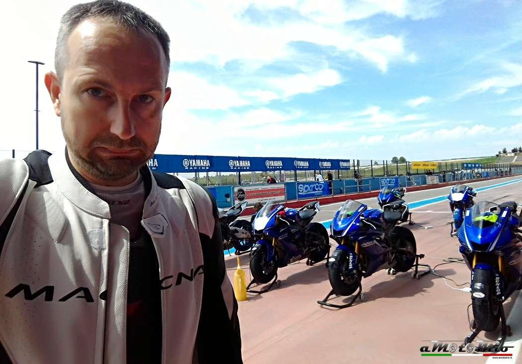 Pit lane test Yamaha
