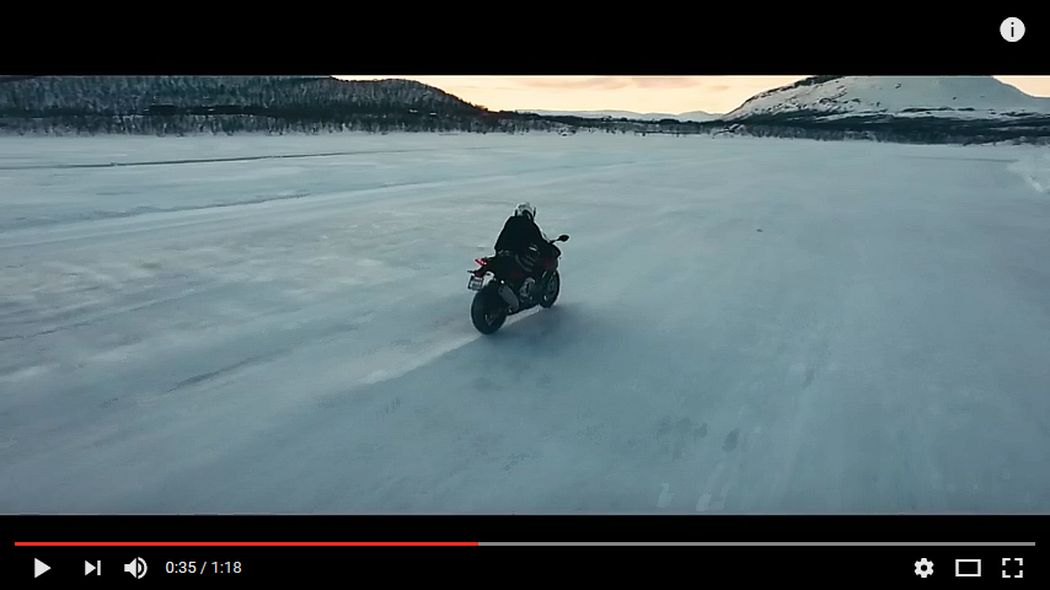 Video BMW: Season's Greetings on Ice