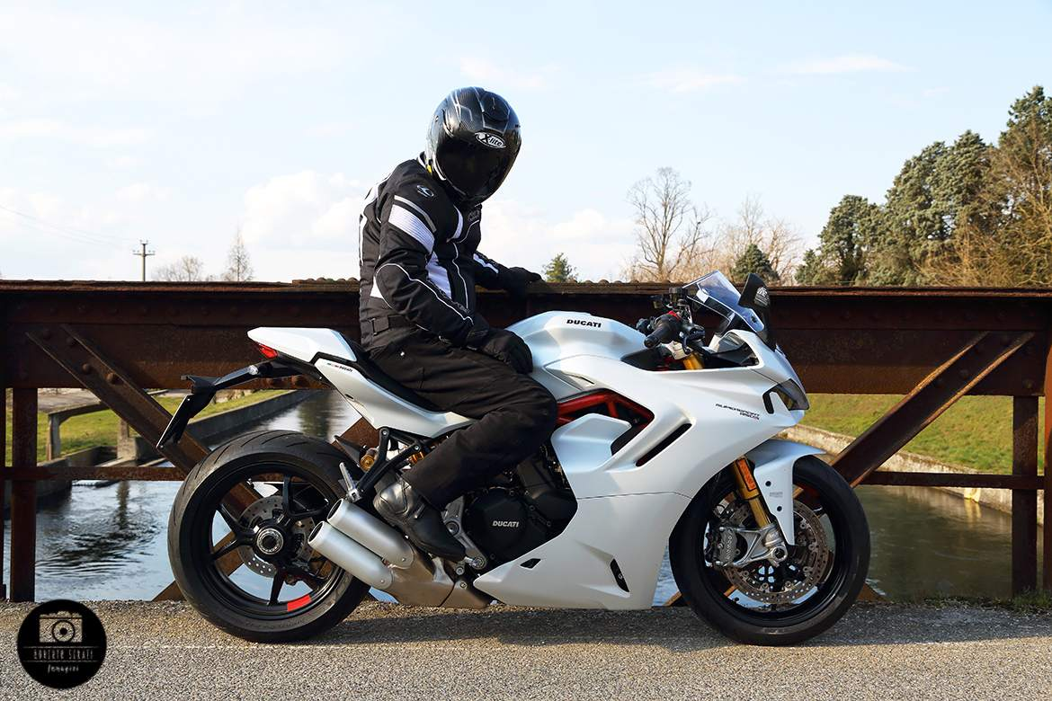 supersport 950s