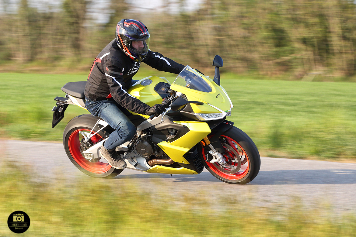 Aprilia RS660 in action