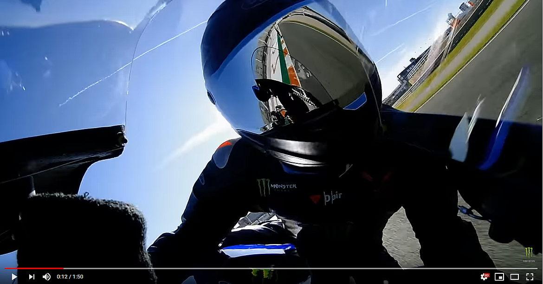 Lewis Hamilton MotoGP Onboard sulla Yamaha YZR-M1
